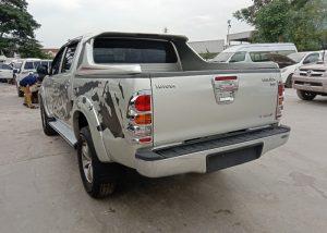 8253 201216 32 Used Vehicles | Toyota hiace | Used Hilux Dealer in Thailand | Vigo bangkok